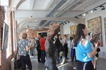 Открытие выставки живописи и скульптуры Ло Си