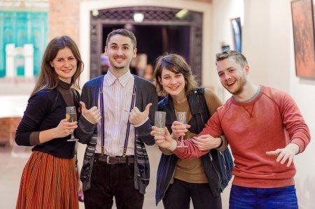 """Участники итоговой выставки """"Муза должна работать"""""""