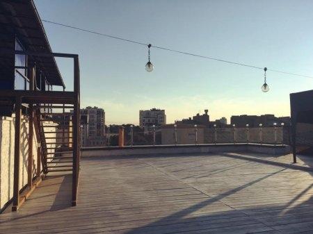 Открытая прогулочная терраса на крыше АРТМУЗЫ